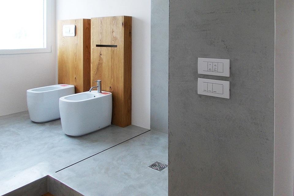 Piatto doccia in cemento a filo pavimento concrete design lemiro srl