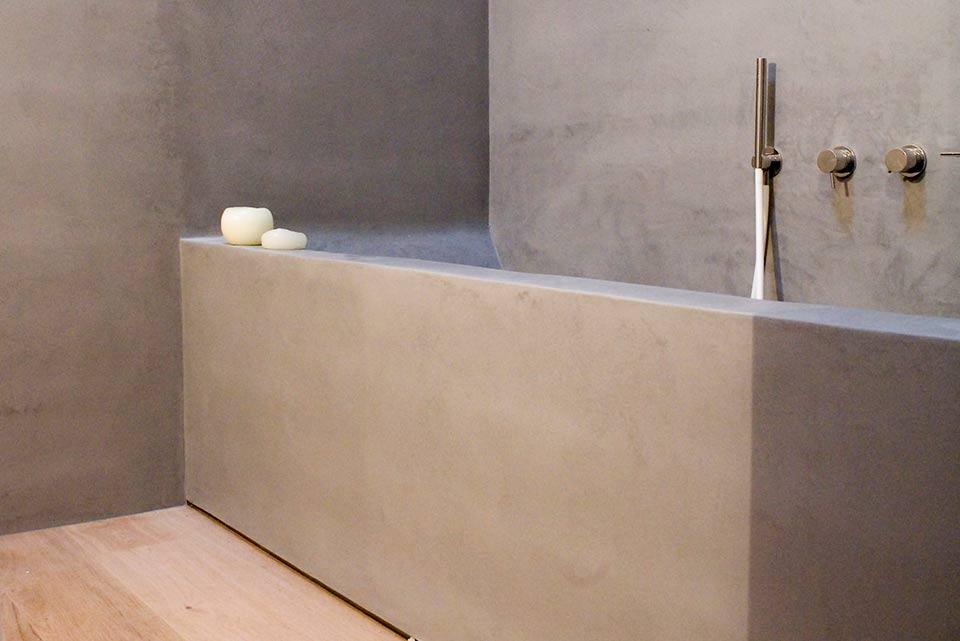 Vasca da bagno e camino microcemento microtopping lemiro srl - Stucco per vasca da bagno ...