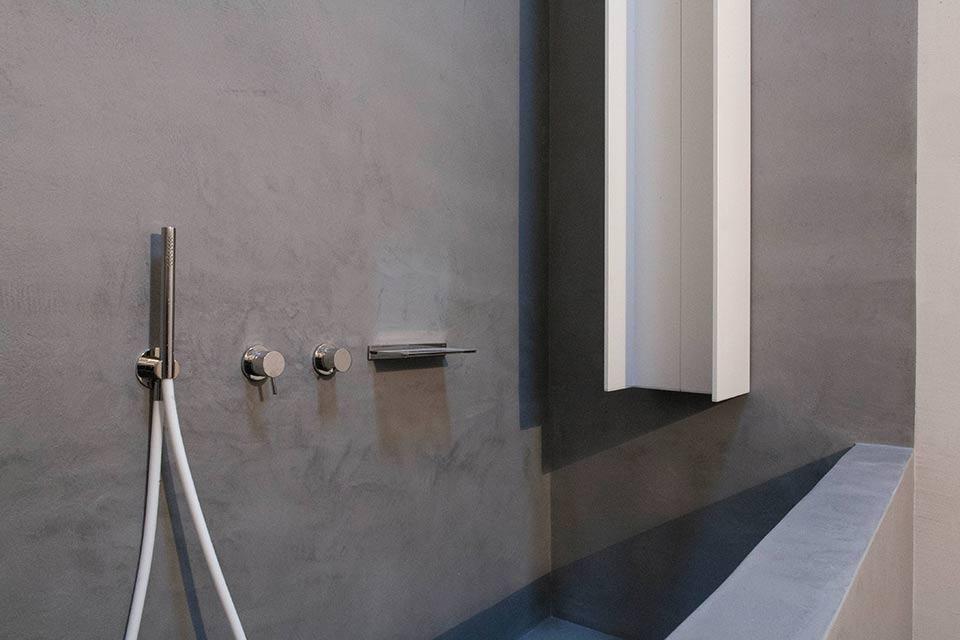 Vasca da bagno e camino microcemento microtopping - Microcemento bagno ...