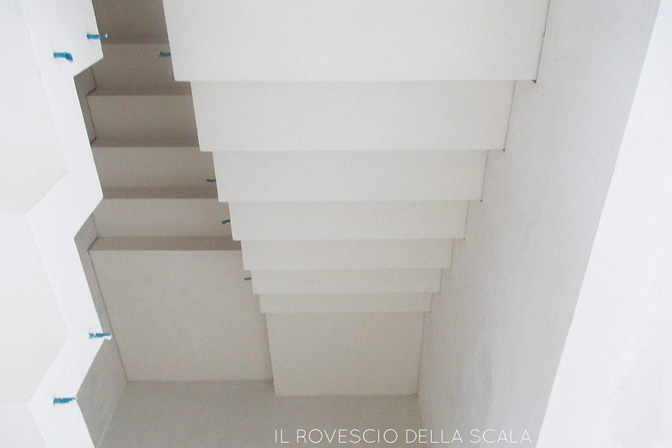Scala cemento Microtopping Escher